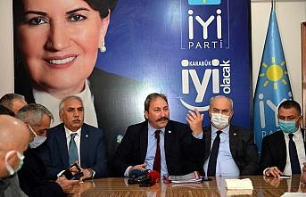 İYİ Partili Akalın, Karabük'te fezlekelere ilişkin...