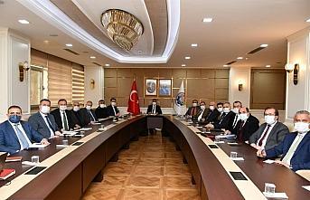 Karabük Valisi Gürel, vaka sayılarında belirgin artışlar gözlendiğini bildirdi