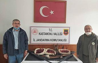 Kastamonu'da, araçlarında karaca eti bulunan 3 kişiye...