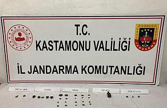 Kastamonu'da iş yerinde tarihi eserler bulunan kişi...