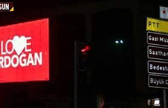Samsun'da 'Love Erdoğan' görseli LED ekranlara yansıtıldı