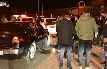 Samsun'da otogara 100 kişi asker uğurlamaya geldi, polis ekipleri baskın yaptı