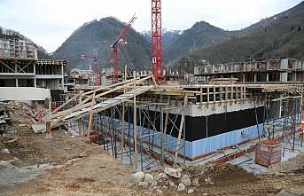 Selde zarar gören Doğankent'te yeni yapılar yükseliyor