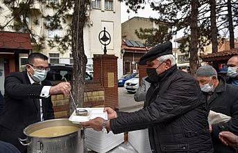 Taşköprü'de vatandaşlara Çanakkale şehitlerinin bir öğünlük iaşesi ikram edildi