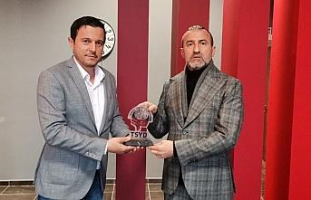 TFF Yönetim Kurulu Üyesi Hacıkerimoğlu, TSYD Trabzon Şubesini ziyaret etti