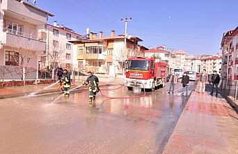 Tosya'da cadde ve sokaklar yıkanıyor