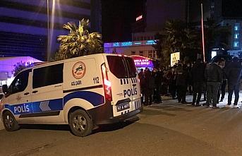 Zonguldak'ta alt yapı çalışmasında göçük altında...
