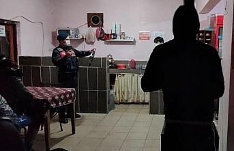 Zonguldak'ta kısıtlama saatinde kahvehanede yakalanan...