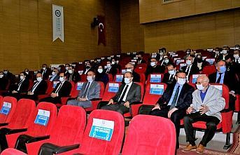 Bayburt Üniversitesi Rektörü Prof. Dr. Mutlu Türkmen görevine başladı