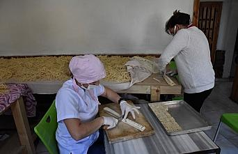 Belediyenin yöresel ürünler imalathanesi kadınlara gelir kapısı oldu