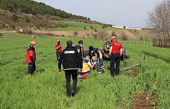 Bolu'da devrilen otomobilin sürücüsü yaralandı