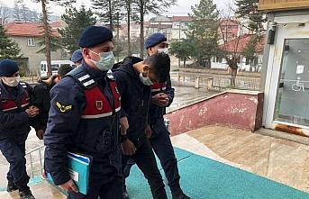 Bolu'da kablo hırsızlığı yapan iki zanlı tutuklandı