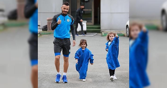 Çaykur Rizesporlu futbolcu Selim Ay: