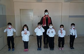 Çorum'da çocuklardan 23 Nisan'da işaret diliyle Kovid-19 tedbirleri uyarısı
