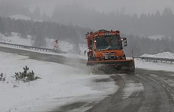 Gölcük ve Abant'ta kar yağışı etkili oluyor
