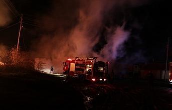 GÜNCELLEME - Kastamonu'da 2 ev, 2 ahır ve samanlığın hasar gördüğü yangın kontrol altına alındı
