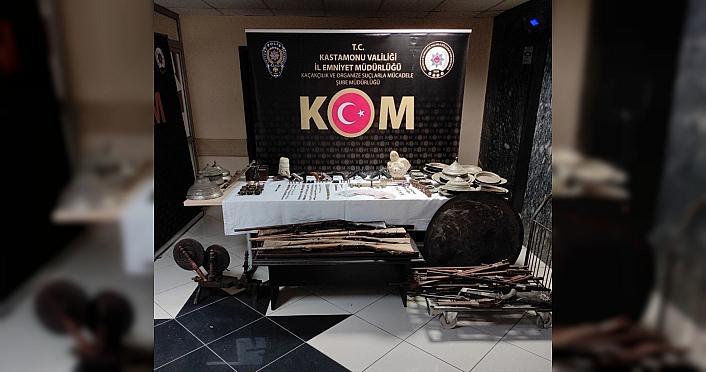 Kastamonu'da evinde çok sayıda tarihi eser ve silah bulunan kişi gözaltına alındı