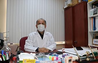Kovid-19 nedeniyle iki kuzenini kaybeden Prof. Dr. Aydın, salgın yokmuş gibi davranılmamasını istedi: