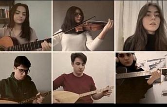 Samsun'da lise öğrencilerinden Dumlupınar Denizaltısı şehitleri anısına klip