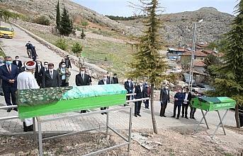 Tokat Valisi Balcı ve Belediye Başkanı Eroğlu iki kimsesiz vatandaşın cenaze namazını kıldı