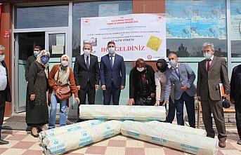 Tosya'da üreticilere sera naylonu ve çeltik tohumluğu dağıtıldı