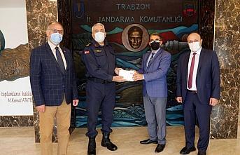 Trabzon'da öğrenciler, Şırnak'ta vatani görevlerini yapan askerlere mektup yazdı