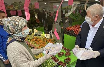 Amasya Belediyesi vatandaşlara günde 3 bin pide dağıtıyor