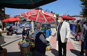 Bartın Belediye Başkanı Akın, pazarcıların bayramını...