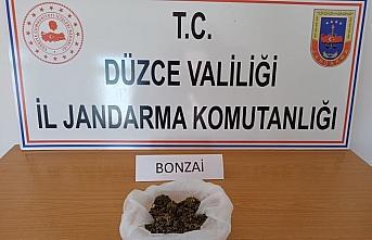 Düzce'de uyuşturucu operasyonunda gözaltına alınan 4 zanlıdan 2'si tutuklandı