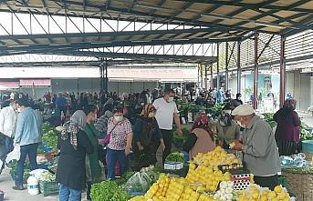 Ereğli'de pazar yerleri Kovid-19 tedbirlerine uyularak açıldı