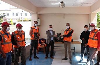 Havza Belediye Başkanı Özdemir'den işçilere 1 Mayıs kutlaması ziyareti