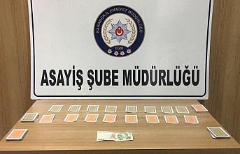 Karabük'te iki evde kumar oynayan ve Kovid-19 tedbirlerini ihlal eden 13 kişiye 29 bin 68 lira ceza kesildi