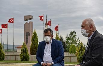 Taşköprü Belediyesi, kısıtlama döneminde kabristanlıklarda Kur'an okuttu