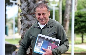 Trabzonspor Teknik Direktörü Abdullah Avcı, sezonu...