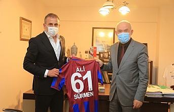 Trabzonspor'da teknik direktör Abdullah Avcı'dan divan başkanı Sürmen'e ziyaret