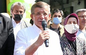 Gelecek Partisi Genel Başkanı Ahmet Davutoğlu, Giresun'da ziyaretlerde bulundu