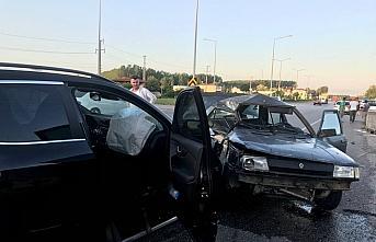 Samsun'da 5 aracın karıştığı trafik kazasında 6 kişi yaralandı