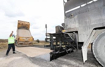 Amasya Valisi Masatlı, köylerde asfaltlama çalışmalarını inceledi