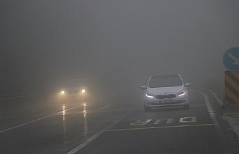 Bolu Dağı'nda sağanak ve yoğun sis ulaşımı etkiliyor
