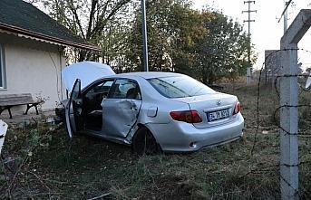 Bolu'da iki otomobilin çarpıştığı kazada 2 kişi yaralandı