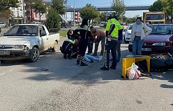 Samsun Atakum'da kamyonete çarpan motosikletin sürücüsü yaralandı