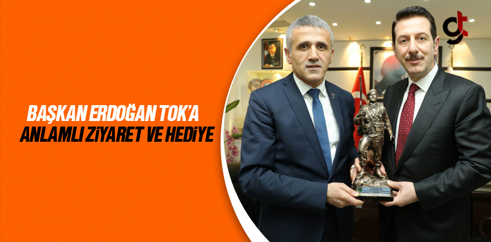 Başkan Erdoğan Tok'a Anlamlı Ziyaret Ve Hediye