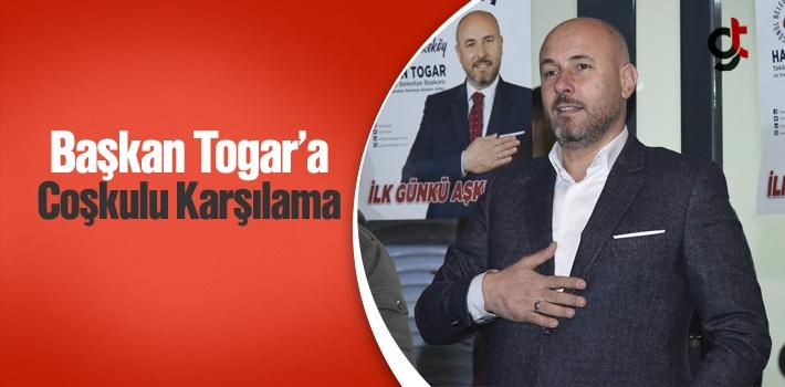 Başkan Togar'a SKM Önünde Coşkulu Karşılama