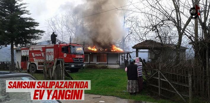 Samsun Salıpazarı'nda Ev Yangını