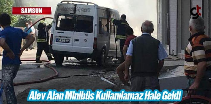Samsun'da Alev Alan Minibüs Kullanılamaz Hale Geldi
