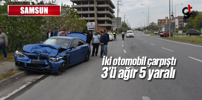 Samsun'da İki Otomobil Çarpıştı 3'ü Ağır 5...