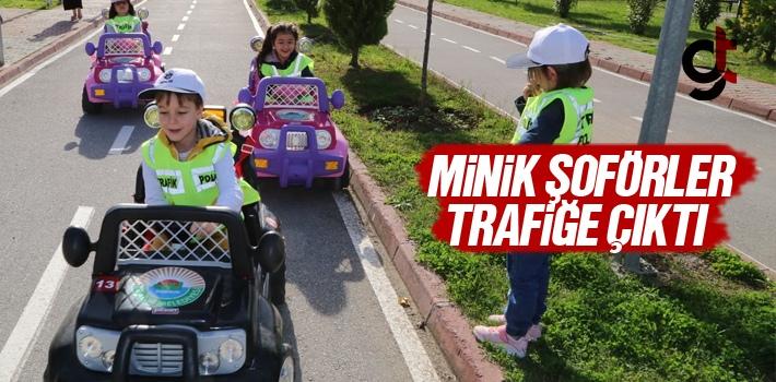 Samsun'da Minik Şoförler Trafiğe Çıktı